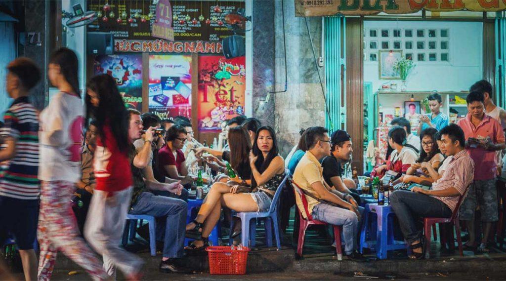 Eten op straat in Ho Chi Minh City