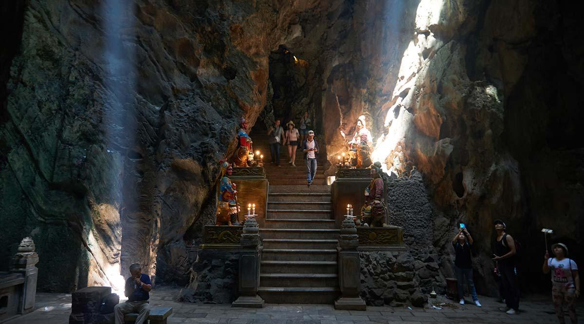grot in de Marble Mountains