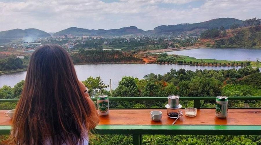 Me Linh Coffee Garden