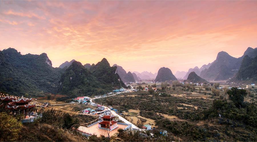 Ban Gioc Pagoda