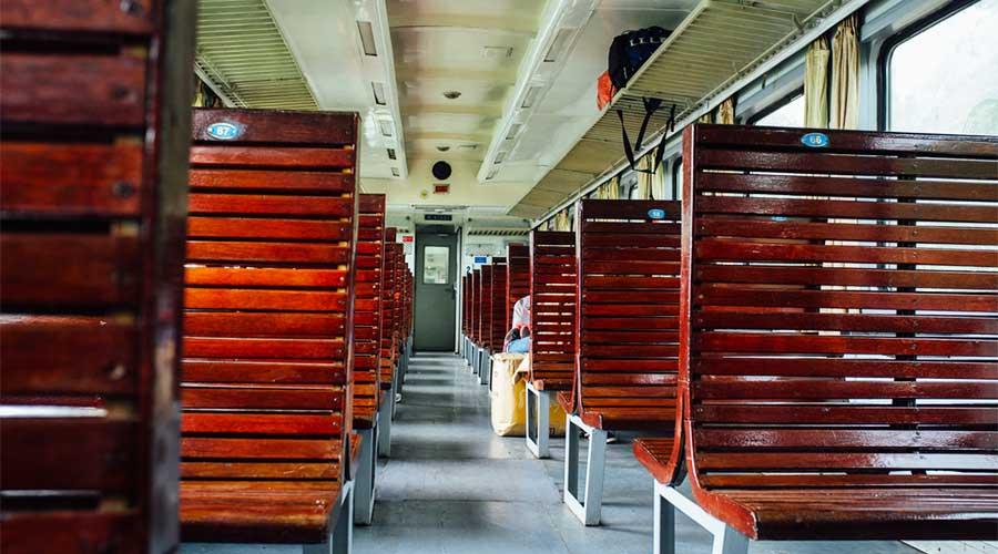 hard seat Vietnam trein