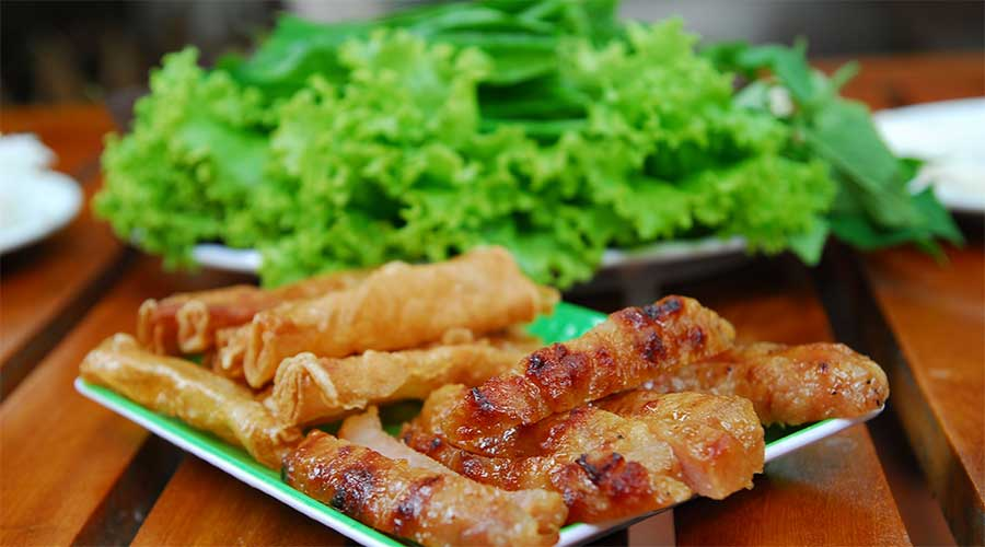 Nem nướng: Gegrild vlees en groente- gewikkeld in rijstpapier