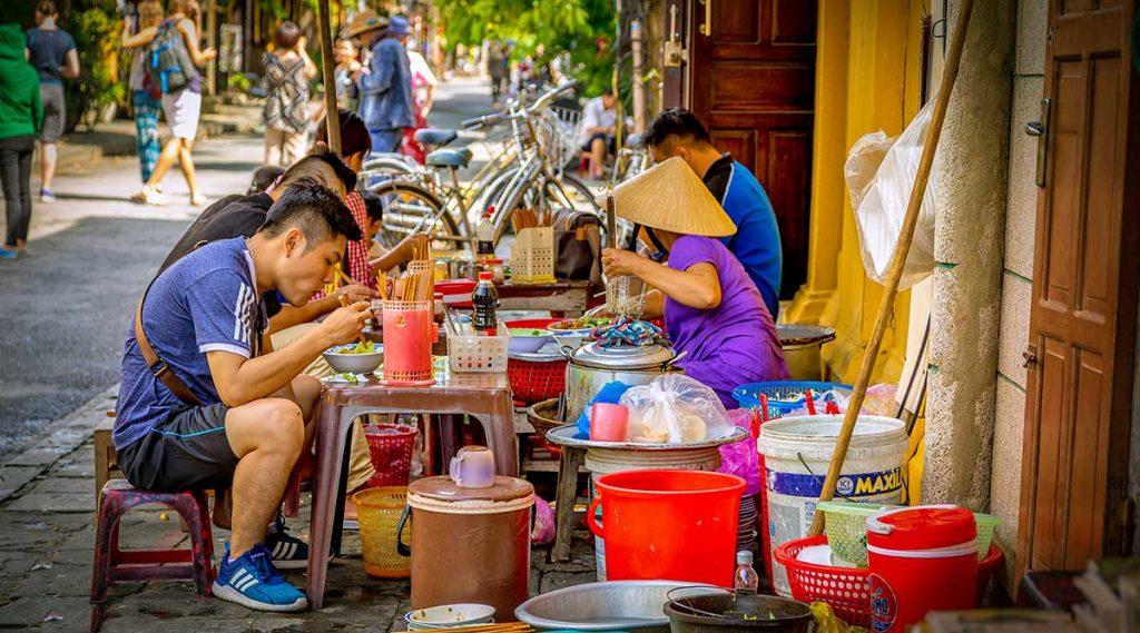 streed food in Vietnam