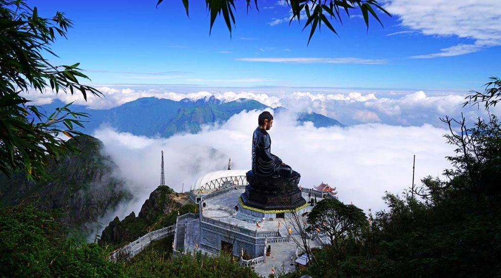 buddha beeld op Fansipan