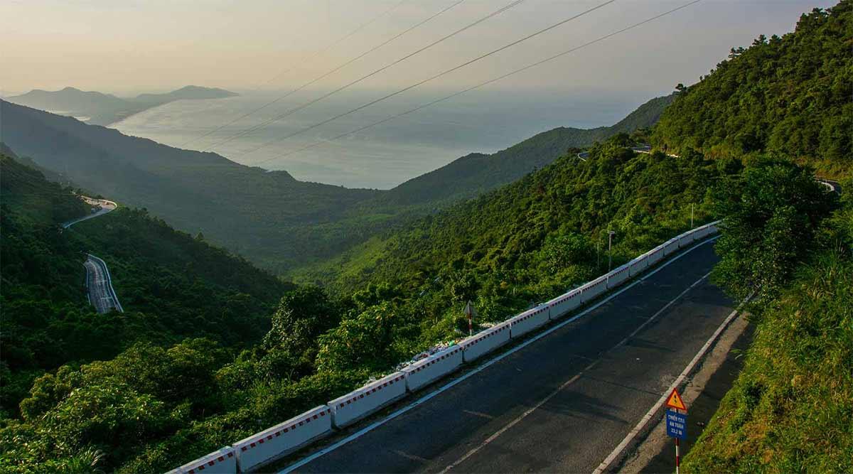 Hai Van Pass route