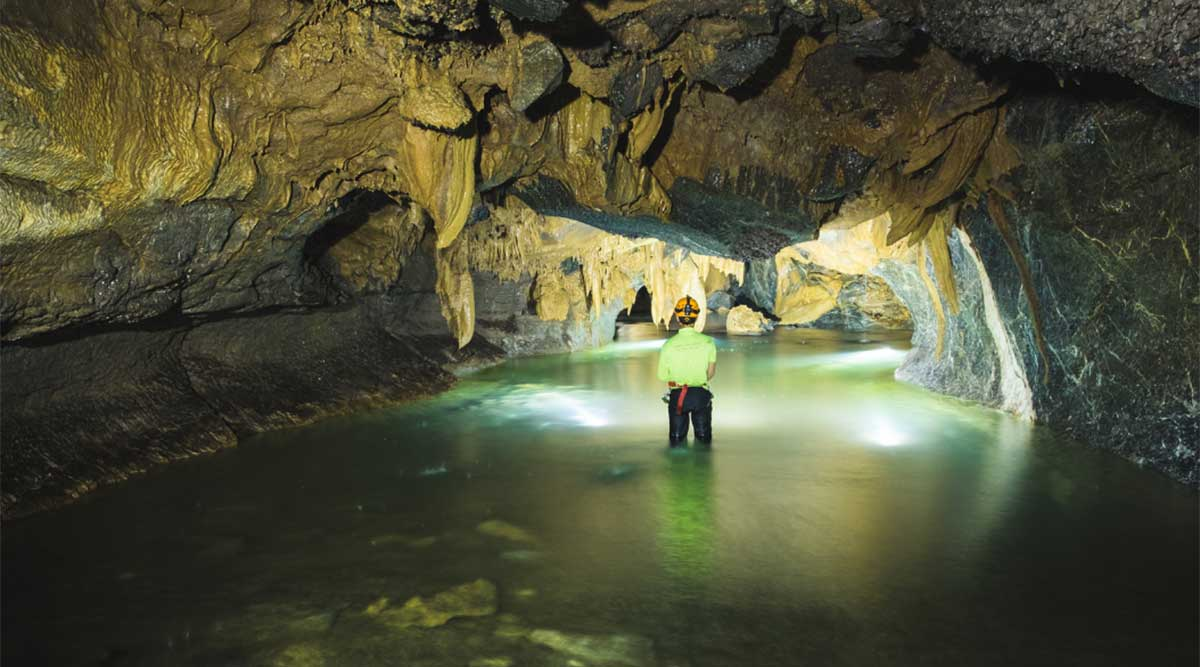 Hang Va grot
