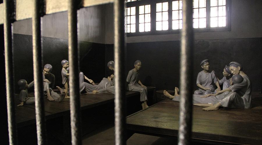 Hoa Lu prison (Hanoi Hilton)