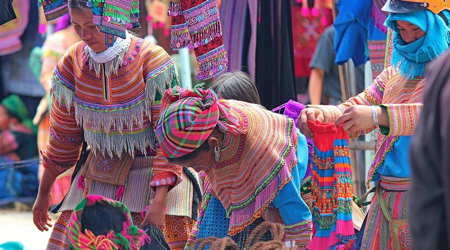 kleding op Bac Ha markt