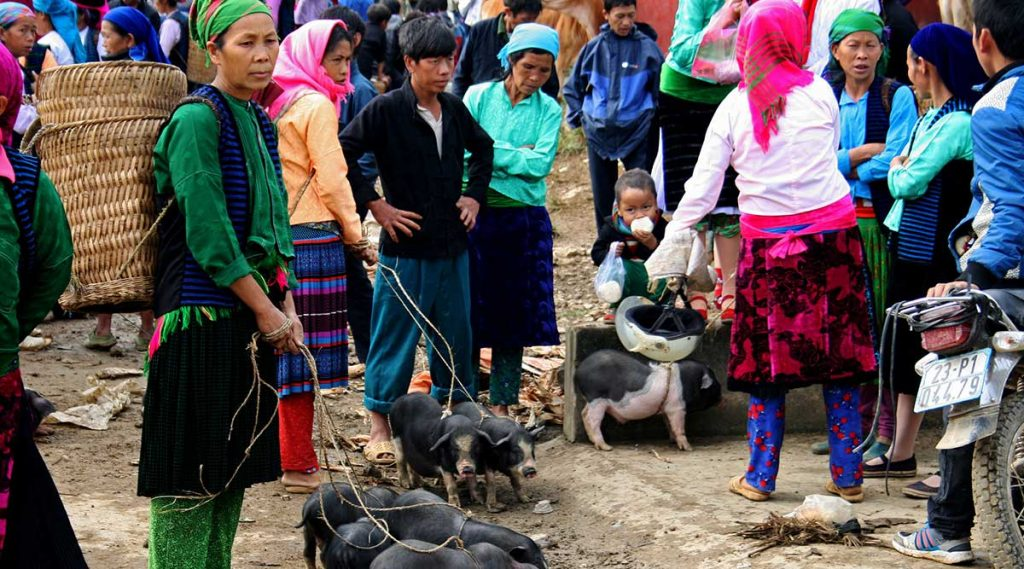 Meo Vac zondagsmarkt in Ha Giang