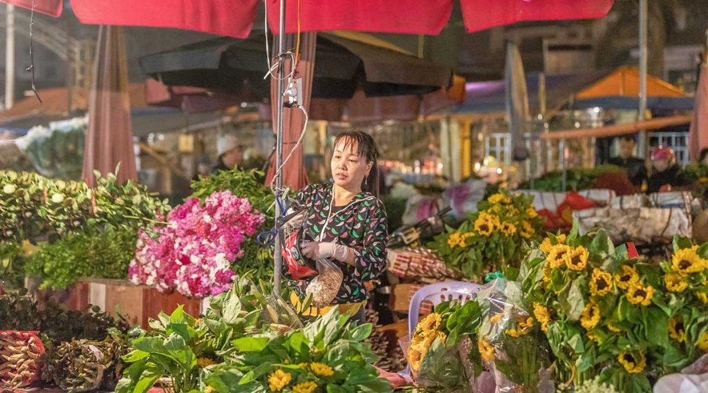 Quang Ba market in Hanoi