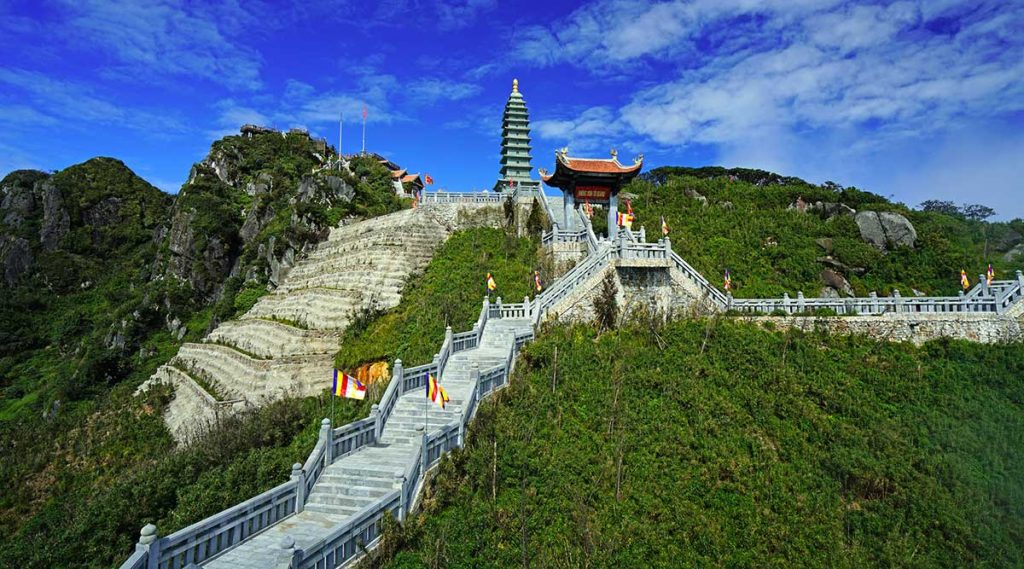 tempels op Fansipan