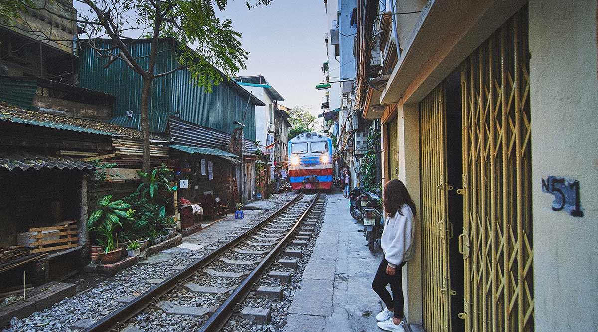 trein door Hanoi