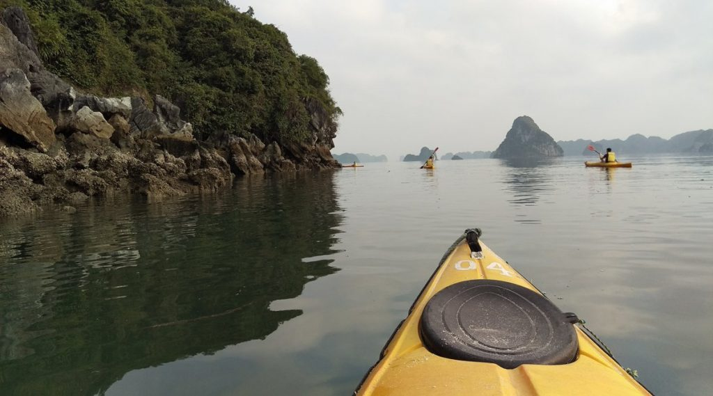 kajakken in Bai Tu Long Bay