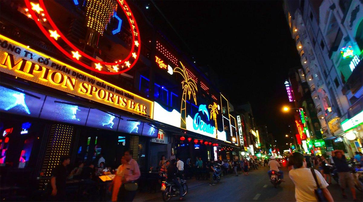 Bui Vien Street clubs