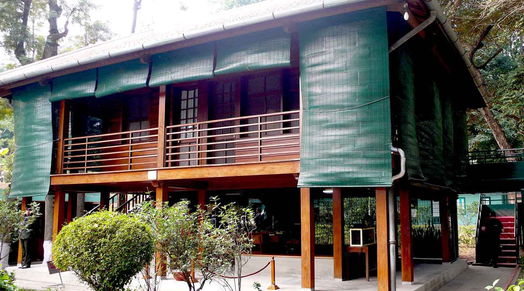 Ho Chi Minh's Stilt House in Hanoi: Bezoek het huis van Uncle Ho