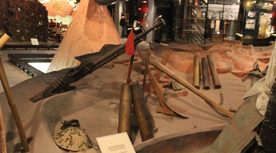 Ho Chi Minh museum binnen