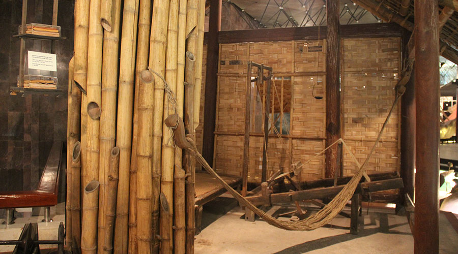 Ho Chi Minh museum hut