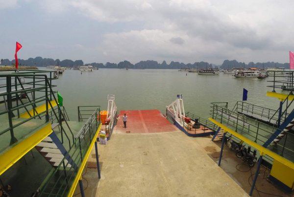 Van Hanoi naar Cat Ba