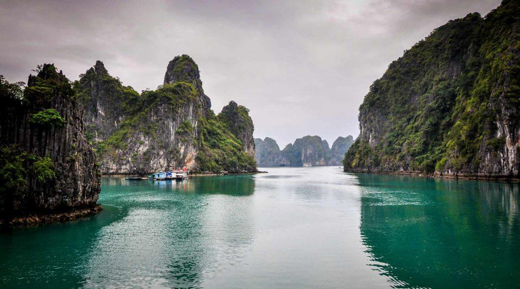 Van Hanoi naar Halong Bay