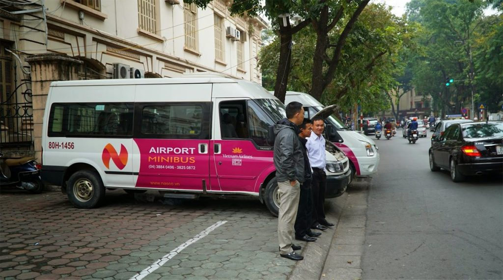 shuttle bus centrum naar vliegveld Hanoi