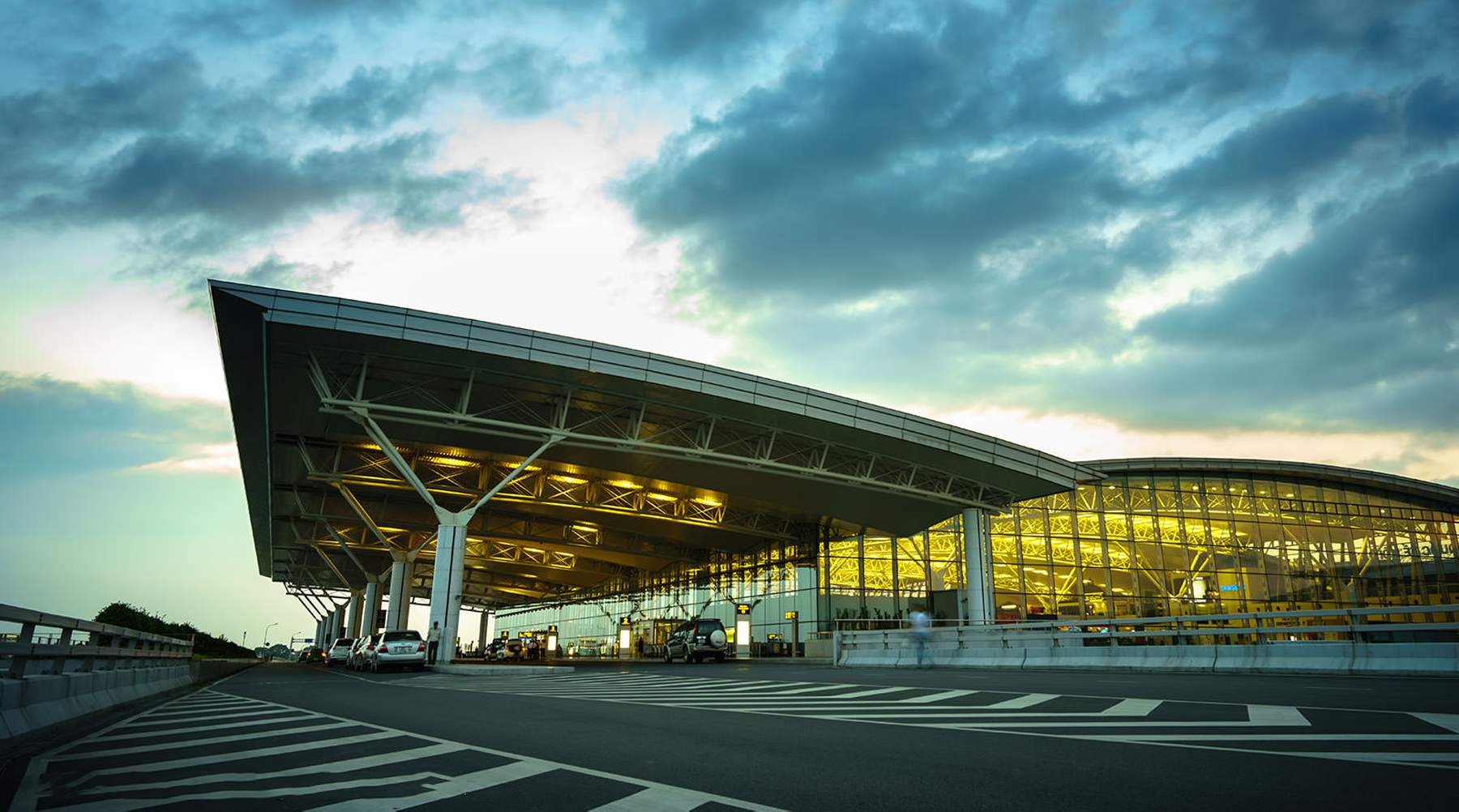 Van Hanoi vliegveld naar het centrum