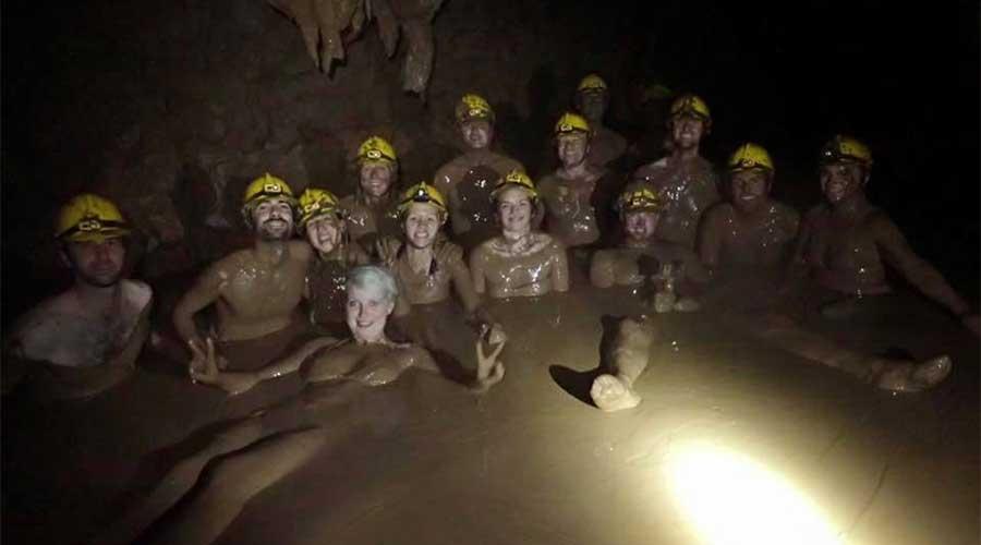 Dark Cave modderbad