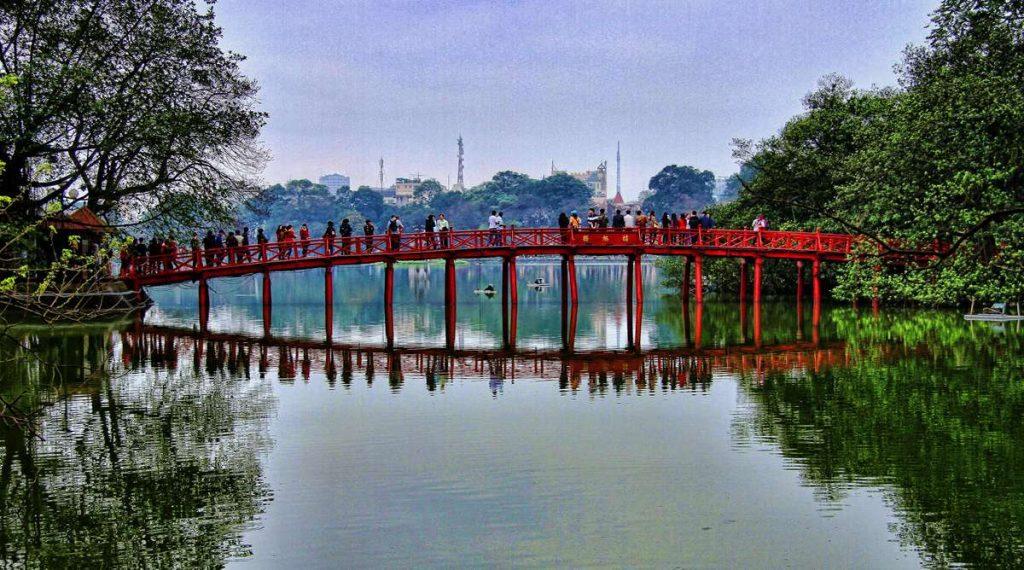 rode Huc brug Hoan Kiem