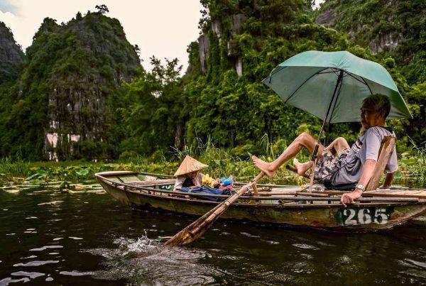 boot tour in Ninh Binh