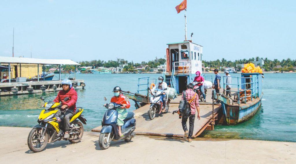 veerboot Tam Hai Island