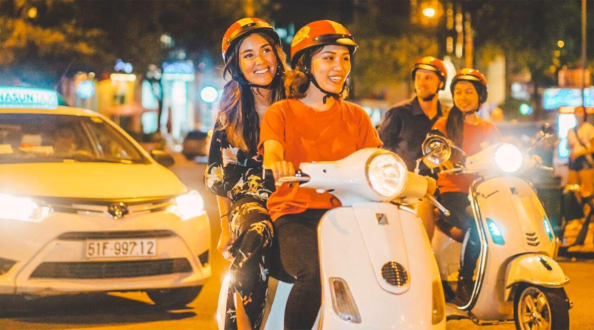 Ontdek het nachtleven van Saigon achterop de scooter