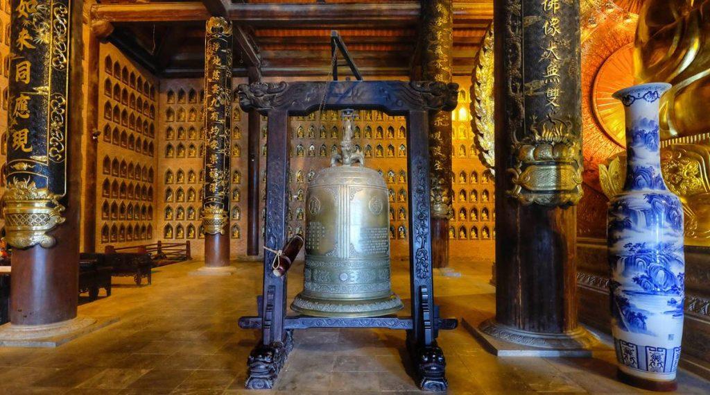 Bronzen bel van Bai Dinh pagode
