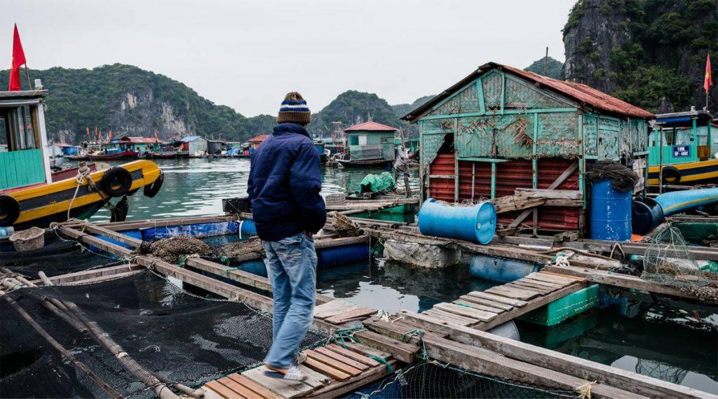 drijvend dorp in Lan Ha Bay