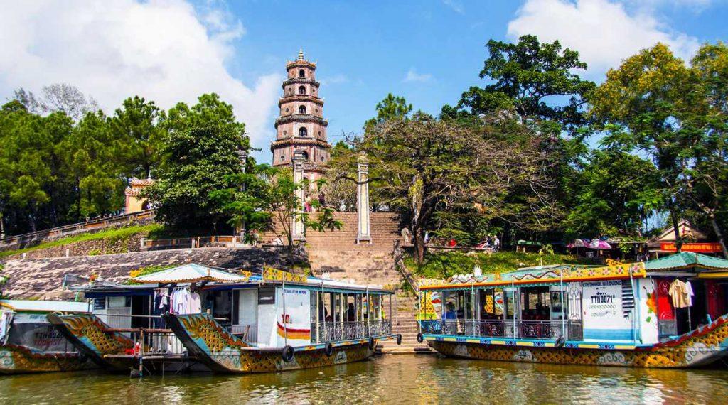 Parfumrivier tempel in Hue