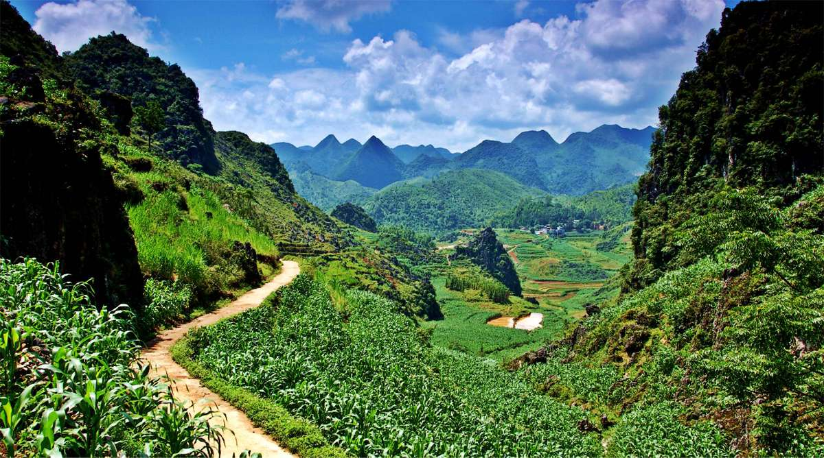 trekking in Ha Giang