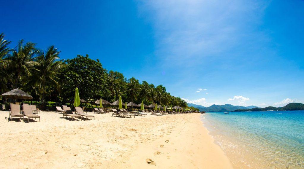 Hon Tam strand