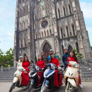 Hanoi Sightseeing achterop de motor met lokale gids