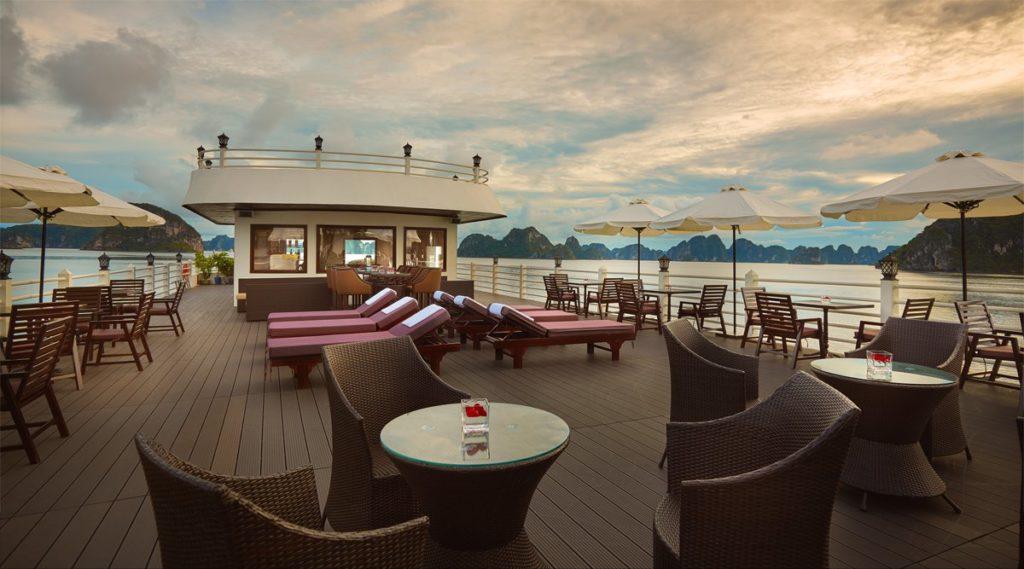 Athene luxe Bai Tu Long Bay cruise