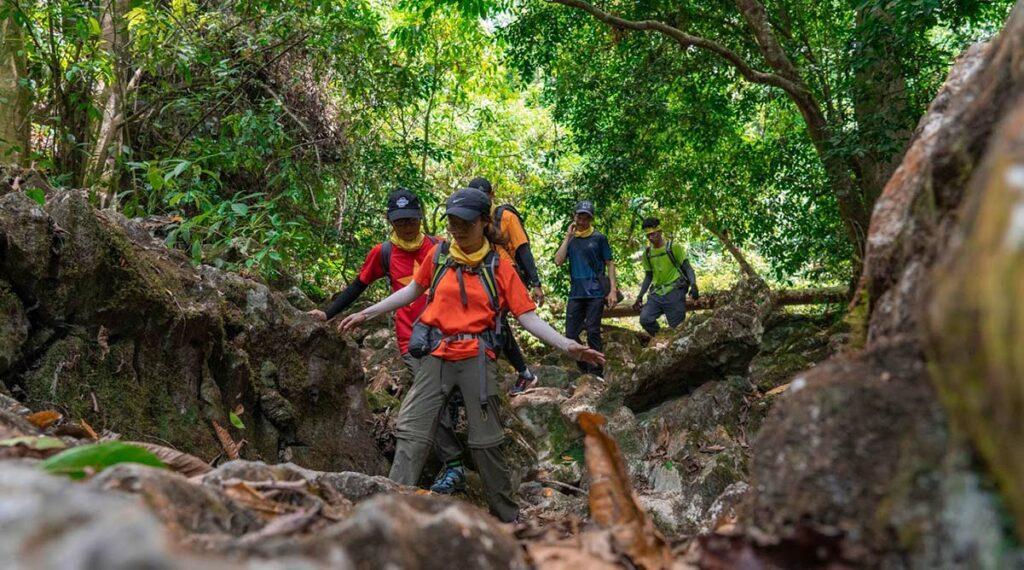 trekking in Phong Nha